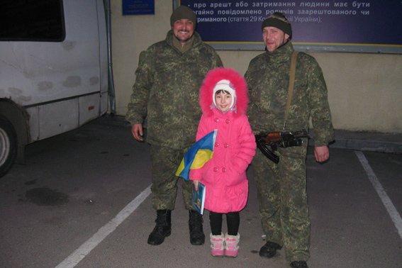 До 8-го березня бійці загону черкаської міліції подарували своїм жінкам найцінніший подарунок - повернулися додому(ФОТО, ВІДЕО) (фото) - фото 4