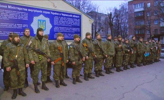 До 8-го березня бійці загону черкаської міліції подарували своїм жінкам найцінніший подарунок - повернулися додому(ФОТО, ВІДЕО) (фото) - фото 2