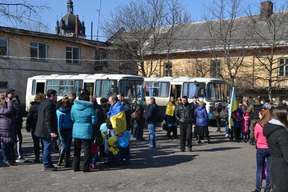 До Львова із зони АТО повернулись наші бійці (фото) - фото 9