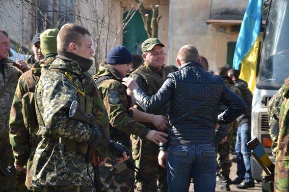 До Львова із зони АТО повернулись наші бійці (фото) - фото 10
