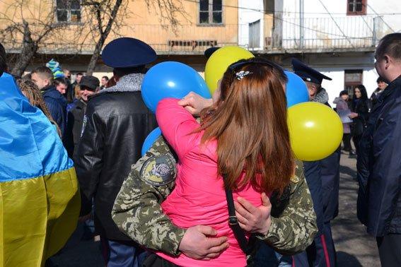 До Львова із зони АТО повернулись наші бійці (фото) - фото 11