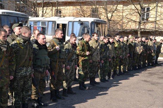 До Львова із зони АТО повернулись наші бійці (фото) - фото 8
