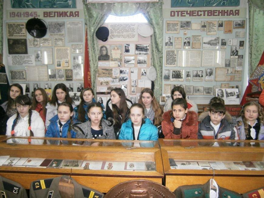 В Димитрове женщин – фронтовиков поздравили с 8 Марта (ФОТОРЕПОРТАЖ) (фото) - фото 8