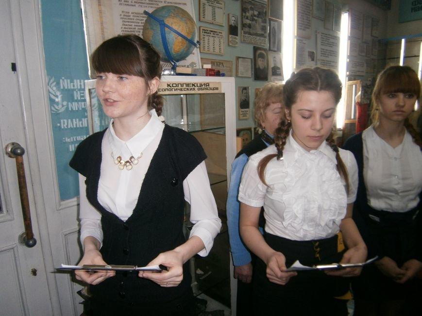 В Димитрове женщин – фронтовиков поздравили с 8 Марта (ФОТОРЕПОРТАЖ) (фото) - фото 3