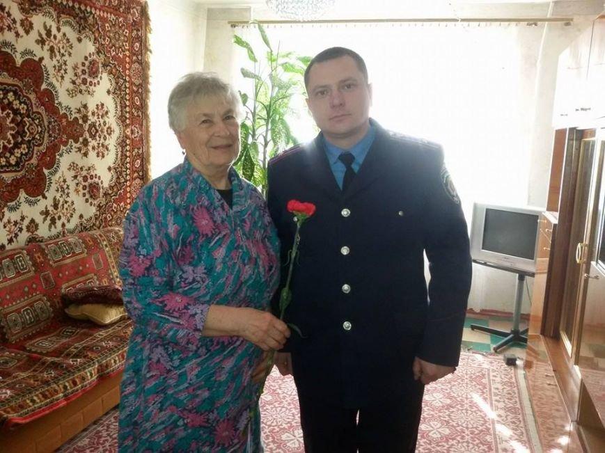 Краматорские милиционеры поздравили с 8 Марта женщин-ветеранов, фото-3