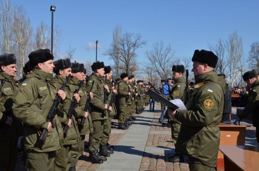 В Николаеве приняли присягу мобилизованные в Нацгвардию (ФОТО) (фото) - фото 2