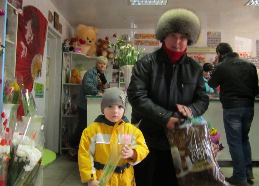 8 марта Димитров утопает в цветах (ФОТОРЕПОРТАЖ), фото-8