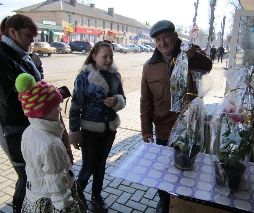 8 марта Димитров утопает в цветах (ФОТОРЕПОРТАЖ), фото-11