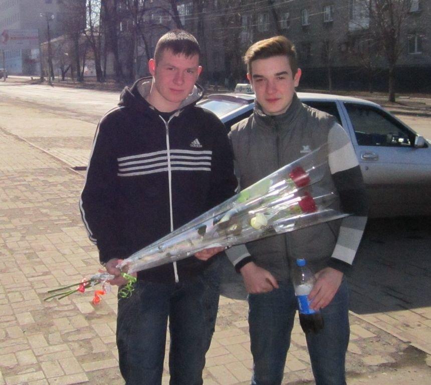 8 марта Димитров утопает в цветах (ФОТОРЕПОРТАЖ), фото-4