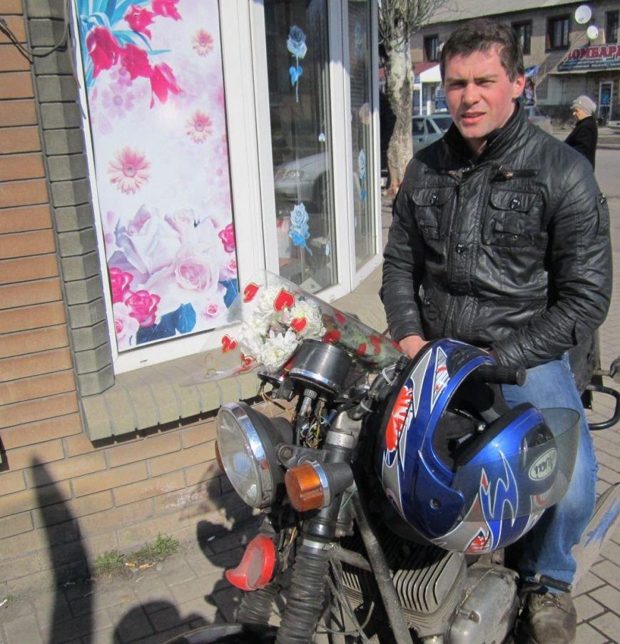 8 марта Димитров утопает в цветах (ФОТОРЕПОРТАЖ), фото-10