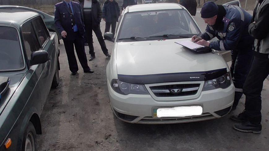 На Кировоградщине в автомобиле пьяного водителя милиционеры обнаружили пистолет. ФОТО (фото) - фото 1