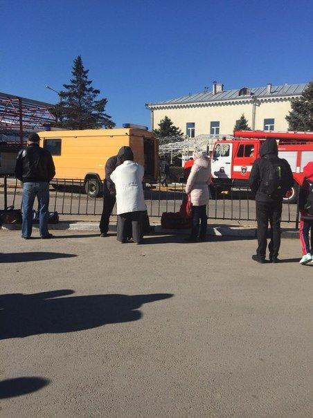 Сегодня в аэропорту Симферополя искали взрывчатку. Вызов оказался ложным, фото-2