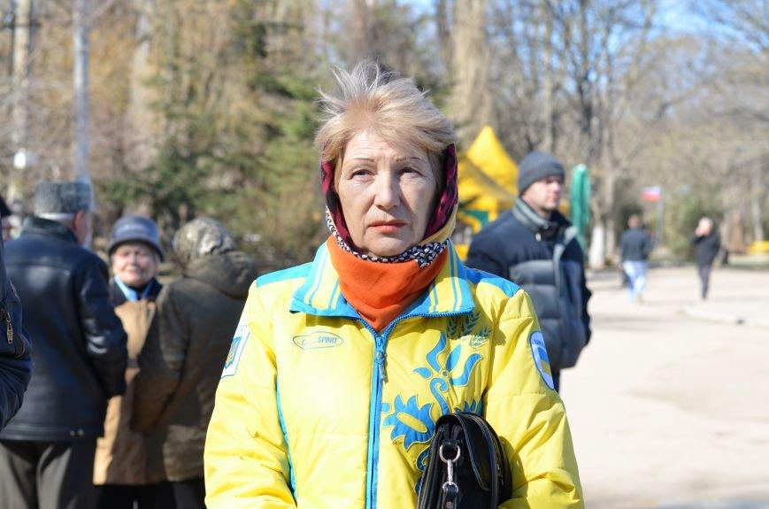 В Симферополе после акции ко дню рождения Тараса Шевченко организаторов увели в полицию, фото-11
