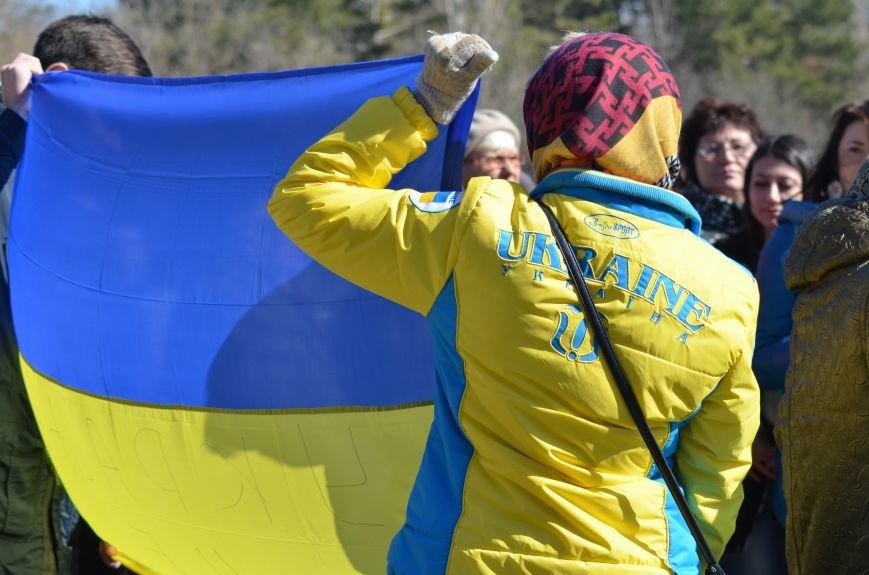 В Симферополе после акции ко дню рождения Тараса Шевченко организаторов увели в полицию, фото-8