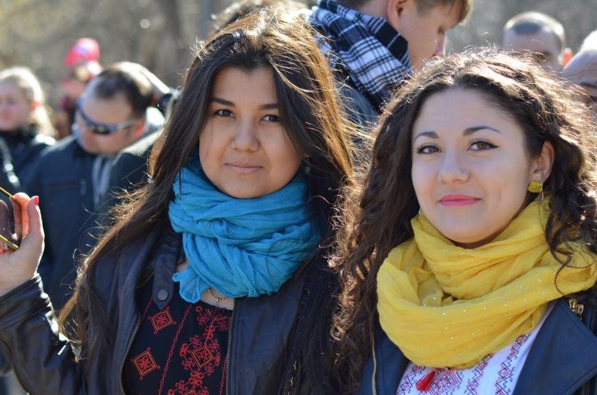 В Симферополе после акции ко дню рождения Тараса Шевченко организаторов увели в полицию, фото-4