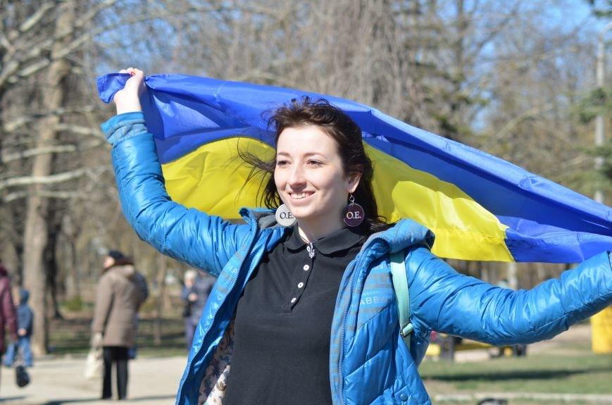 В Симферополе после акции ко дню рождения Тараса Шевченко организаторов увели в полицию, фото-3
