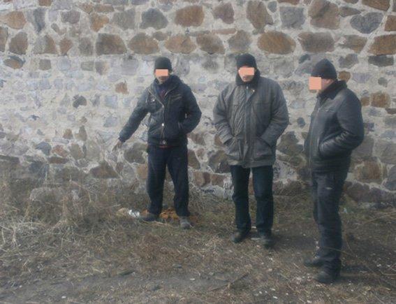 В линейный отдел милиции на станции Красноармейск местные жители приносят и сдают найденные патроны (фото) - фото 2