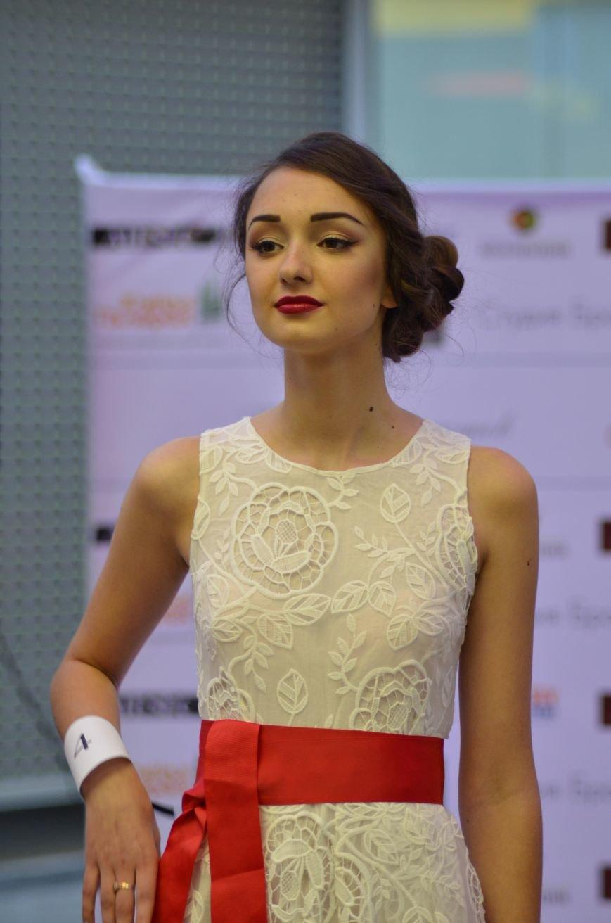 В Симферополе к Международному женскому дню провели «Битву стилистов», фото-5