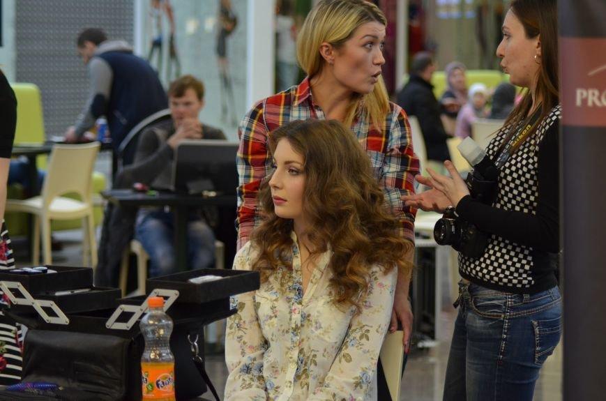 В Симферополе к Международному женскому дню провели «Битву стилистов», фото-1