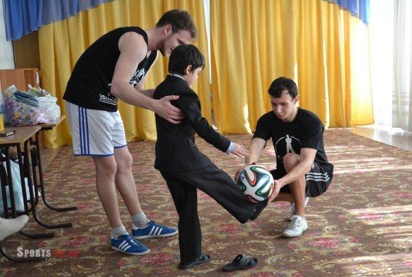 Днепропетровские фристайлеры выступили для детей в приюте (ФОТО), фото-2