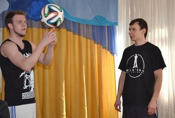 Днепропетровские фристайлеры выступили для детей в приюте (ФОТО), фото-3