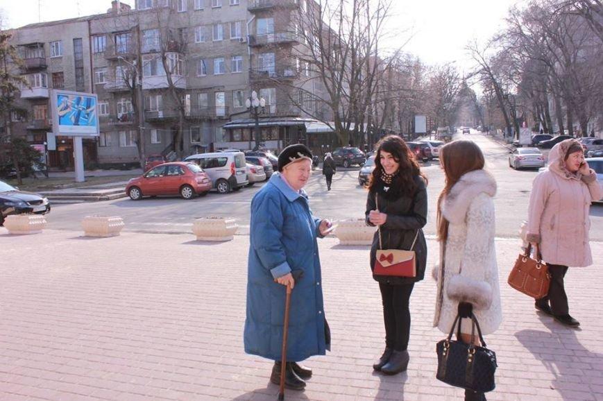 Как в Днепропетровске дарили тепло и радость прохожим (ФОТО), фото-1