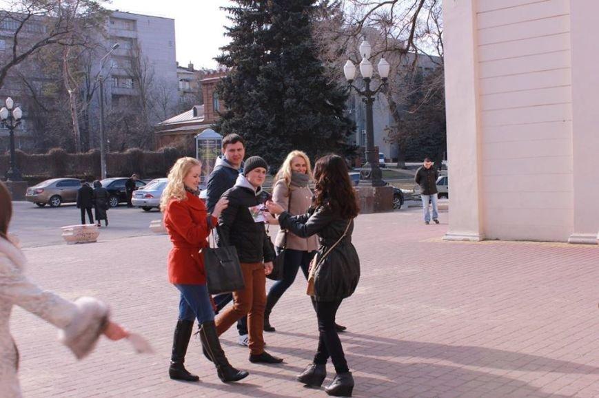 Как в Днепропетровске дарили тепло и радость прохожим (ФОТО), фото-2