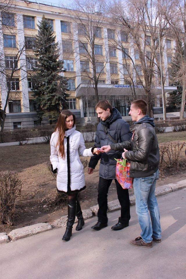 Как в Днепропетровске дарили тепло и радость прохожим (ФОТО), фото-3