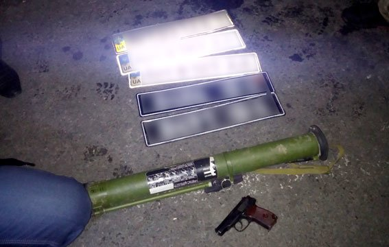 На Полтавщині співробітники ДПС затримали водія, який віз гранатомет (ФОТО) (фото) - фото 3