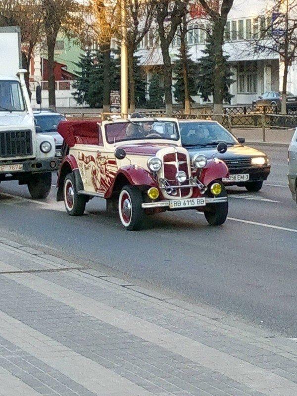 Фотофакт: У гомельских таксистов появился достойный ретро-конкурент (фото) - фото 2
