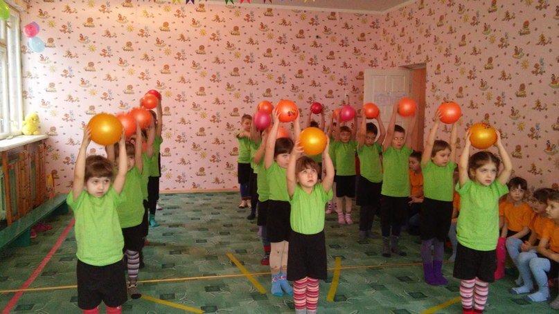 Вихованці садочку №28 «Квітка Карпат» показали «Спортивну зиму» (ФОТО) (фото) - фото 1