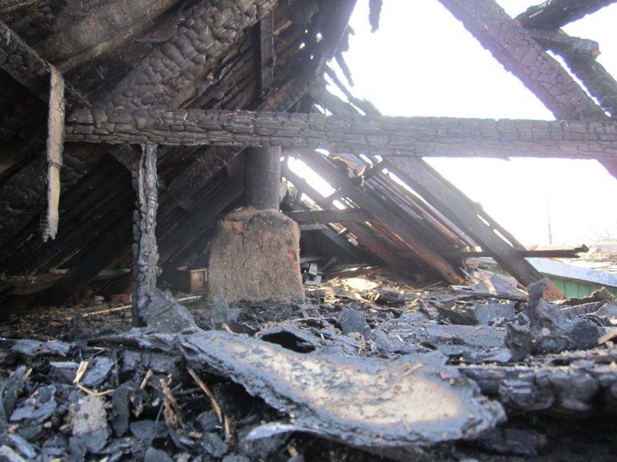 Стреляющий шифер, летающие баллоны и пепелище: фоторепортаж с места красноармейского взрывного ЧП, фото-9