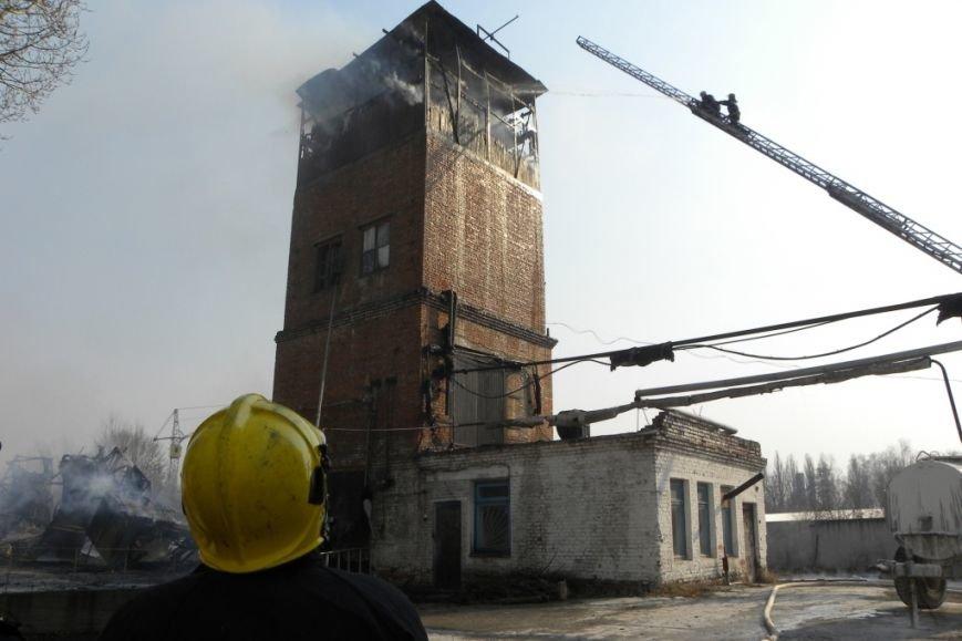 В Чернигове горело предприятие «Будиндустрия» (фото) - фото 1