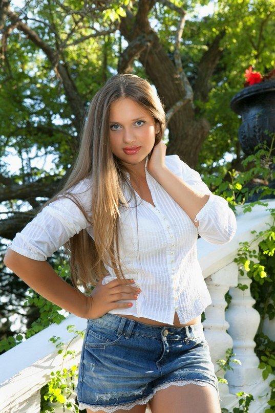 Анна Тура