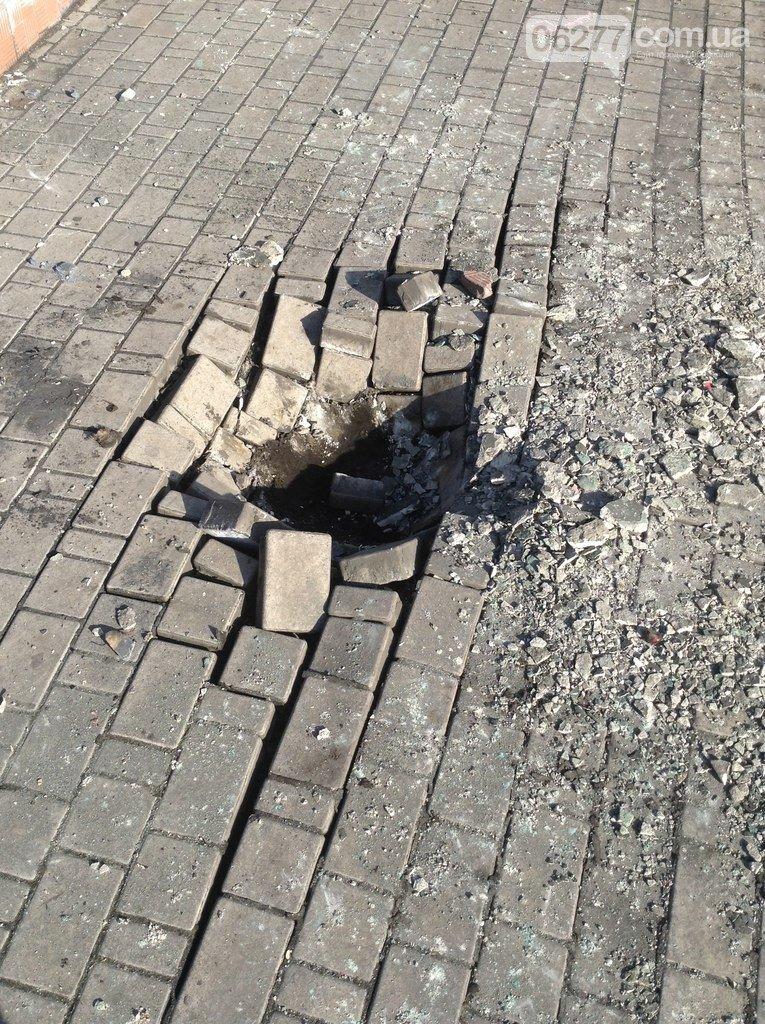 Ленинопад докатился и до Доброполья: ночью неизвестые снели памятник вождю (Обновлено) (фото) - фото 14