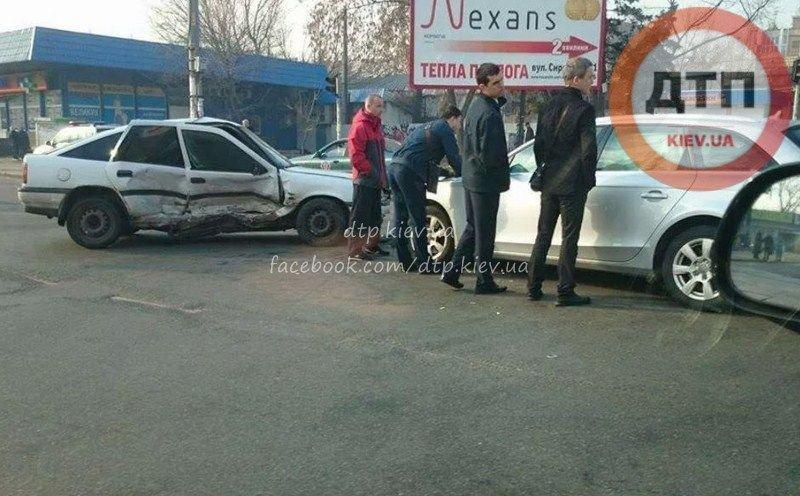 В Киеве на Подоле авария спровоцировала затор (ФОТО) (фото) - фото 1