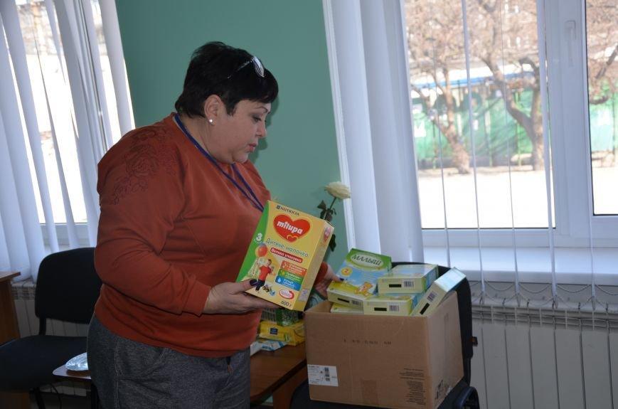Жителям прифронтовых Чермалыка и Лебединское вблизи Мариуполя доставили гуманитарную помощь (ФОТО), фото-10