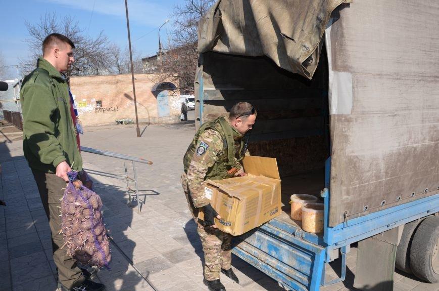 Жителям прифронтовых Чермалыка и Лебединское вблизи Мариуполя доставили гуманитарную помощь (ФОТО), фото-12