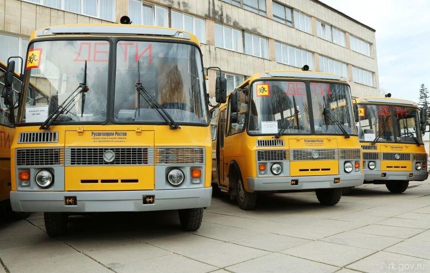 Аксенов вручил ключи от 30 новых школьных автобусов, которые поступят в регионы Крыма (ФОТО), фото-7