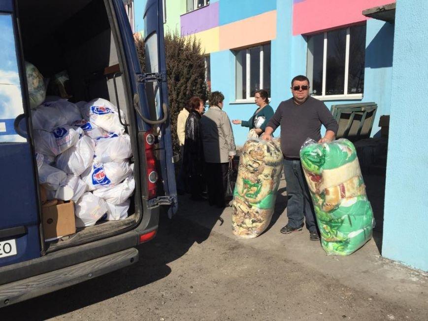 Волонтеры везут в Авдеевку гуманитарную помощь (фото), фото-3