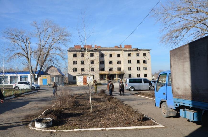 Жизнь под дулом автомата: в прифронтовых селах уже не боятся обстрелов, а дети собирают гильзы (ФОТОРЕПОРТАЖ), фото-13