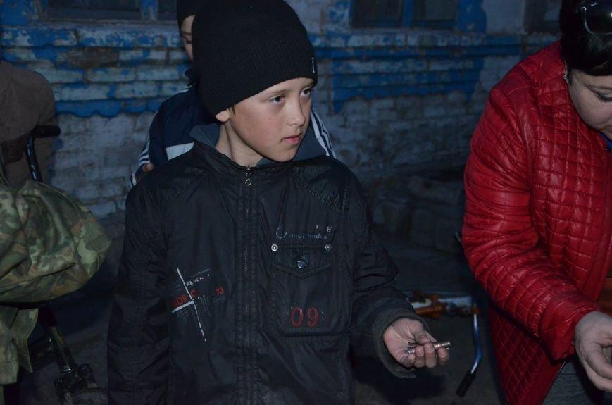 Жизнь под дулом автомата: в прифронтовых селах уже не боятся обстрелов, а дети собирают гильзы (ФОТОРЕПОРТАЖ), фото-60