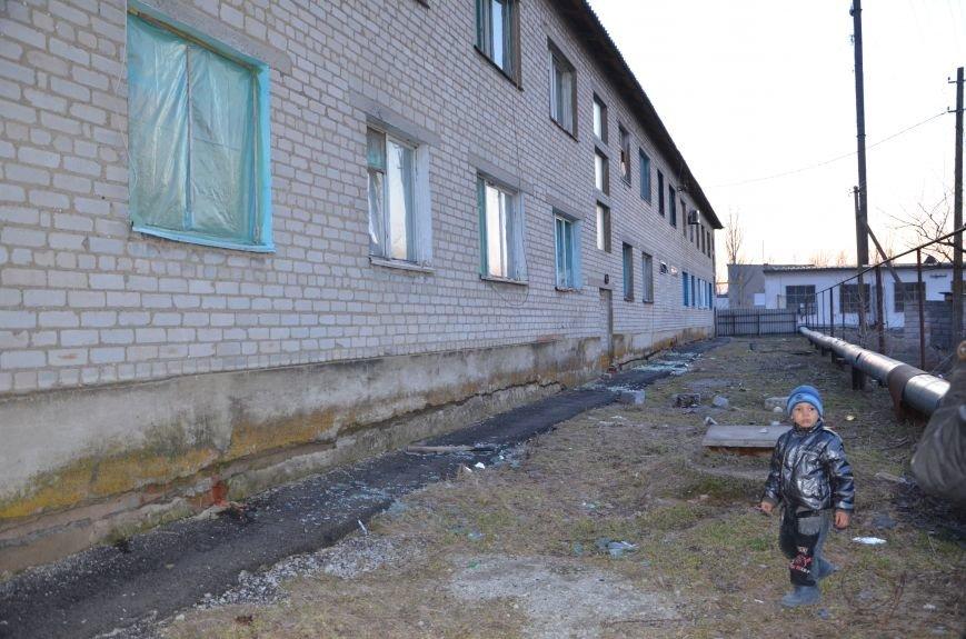 Жизнь под дулом автомата: в прифронтовых селах уже не боятся обстрелов, а дети собирают гильзы (ФОТОРЕПОРТАЖ), фото-54
