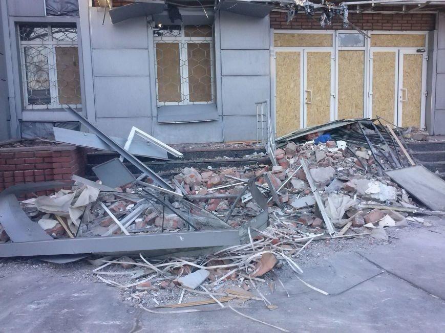 Димитровские спасатели рассказали об Авдеевке: жуткие разрушения и тушение под обстрелами (ФОТО), фото-13