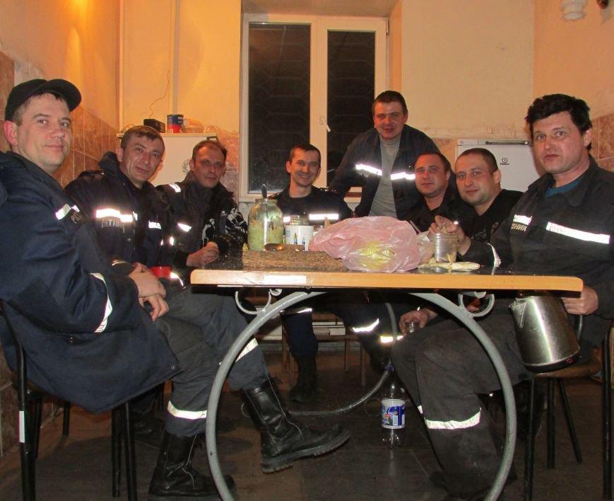 Димитровские спасатели рассказали об Авдеевке: жуткие разрушения и тушение под обстрелами (ФОТО), фото-5