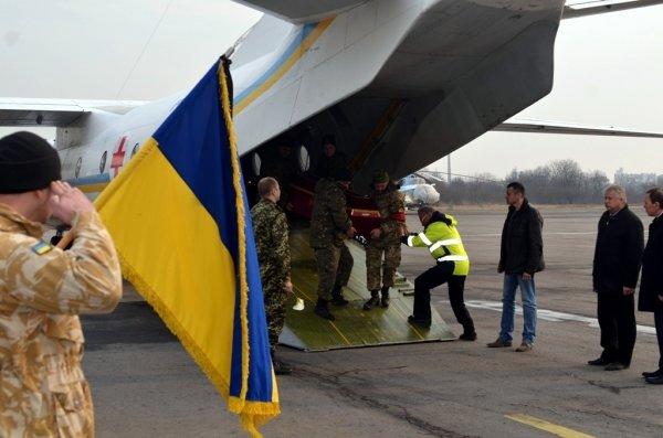 Сьогодні в Ужгороді оголошено днем жалоби у зв'язку з вшануванням пам'яті Віталія Постолакі (ФОТО) (фото) - фото 6
