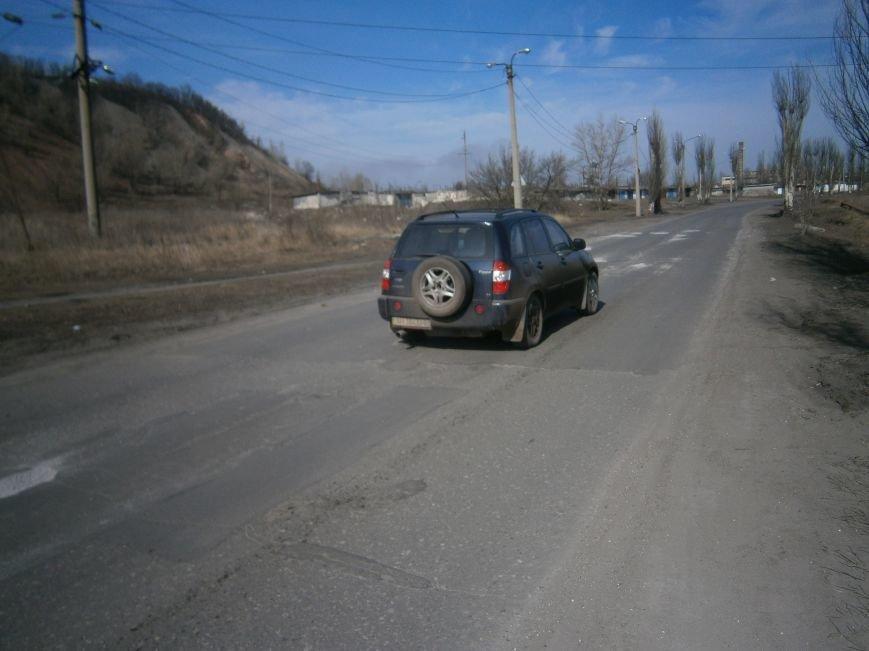 В Димитрове начался временный ямочный ремонт дорог (ФОТОРЕПОРТАЖ) (фото) - фото 3