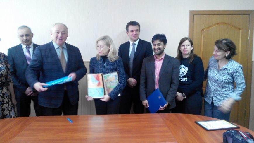 В Краматорск приезжала делегация ЮНИСЕФ (фото) - фото 3