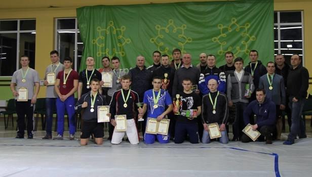 Черкаські борці визначали кращого у змішаних єдиноборствах, фото-1