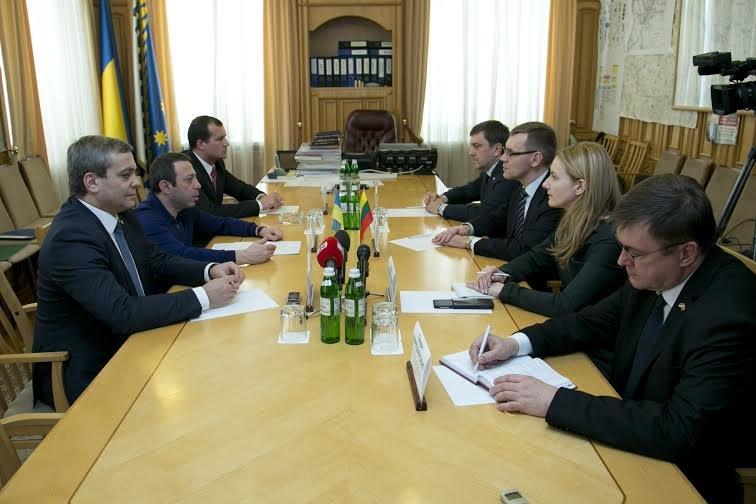 Геннадий Корбан встретился с замминистра иностранных дел Литовской Республики (фото) - фото 2